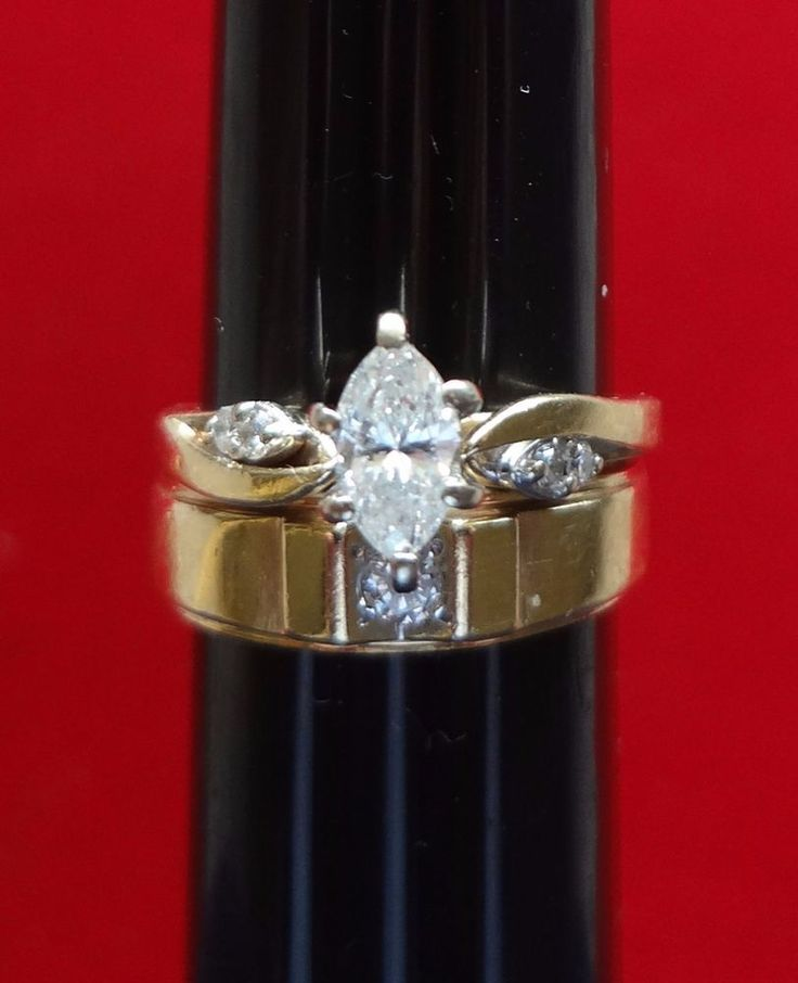 LOVELY 14K YELLOW GOLD .57 TCW DIAMOND MARQUISE WEDDING RING SET - 5.7 GRAMS
