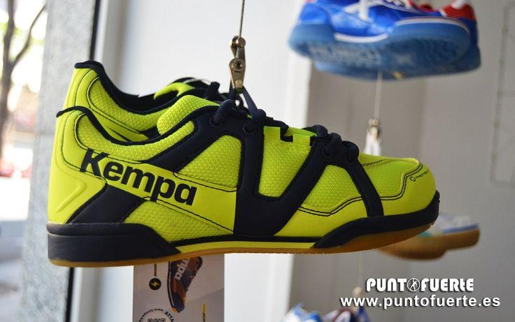 ¡NOVEDAD! #Kempa #Team Junior. La zapatilla más económica y versátil de Kempa ya está aquí. Un regalo de comunión  perfecto (PVP: 39.95€) para los recién llegados al #balonmano
