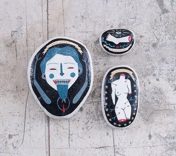 Ex-voto dipinti a mano su pietra. di Isoi su Etsy