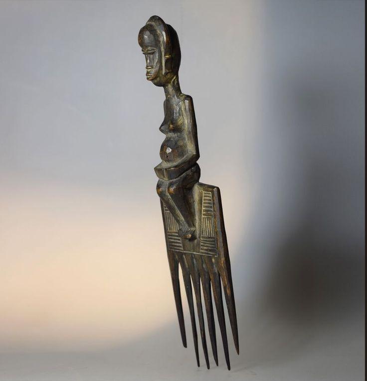 Fine and Rare Anthropomorphic Comb - HOLO - D.R Congo