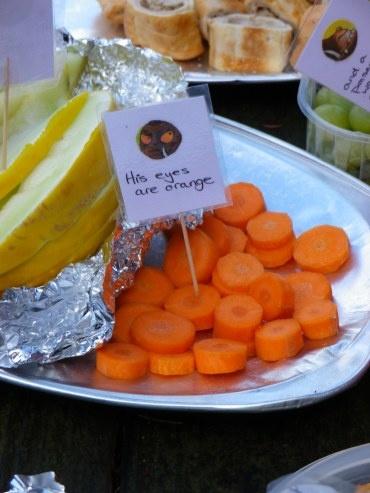 http://entertainingjunior.com/2012/09/23/oh-help-oh-no-its-a-gruffalo/