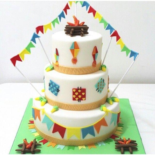 "3,601 Likes, 201 Comments - Encontrando Ideias (@encontrandoideias) on Instagram: ""Amei este bolo para Festa Junina. Pic via @benavidesdani Regram @festejandoemcasaoficial…"""
