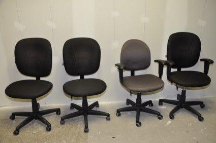 Chaises de bureau assorties