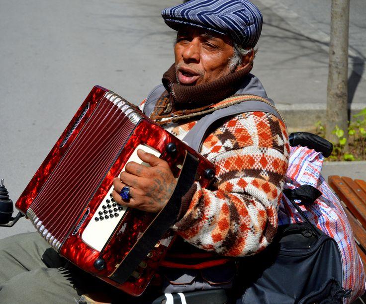 Street musician on the Rambla Catalunya, Barcelona, Spain