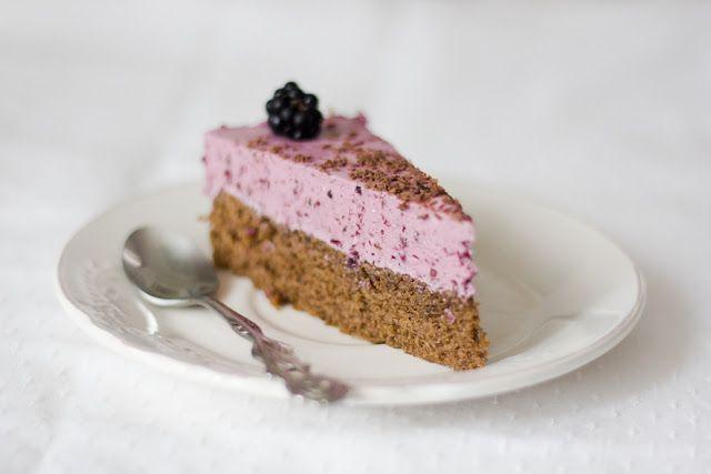 Parfe kolač od čokolade i kupina