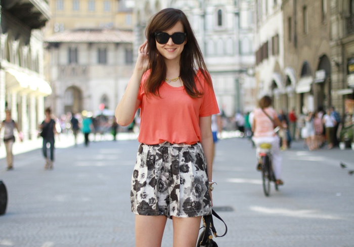 a simple way to wear print