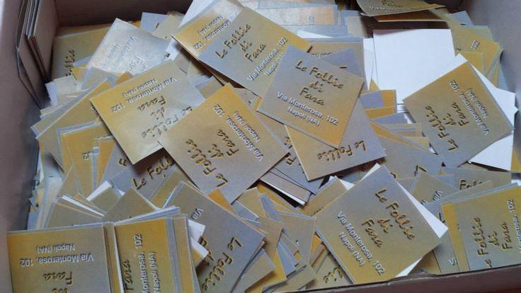 #Adesivi in #Verniciatura #Opaca Dimensioni 4x4 cm ideali per pacchi regalo realizzati per LE Follie DI FARA!!!