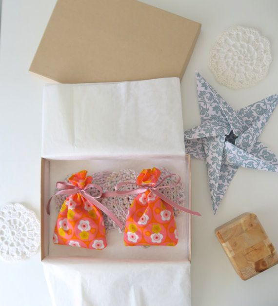 Housewarming gift box - organic lavender cotton bags, crochet heart coasters…