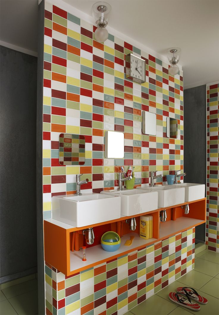 Bathroom-BrightTiles... kinda reminds me a little of a quilt... like it!