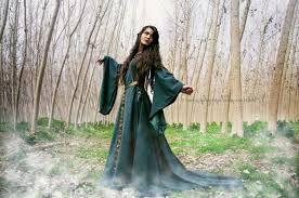 Картинки по запросу девушки средневековья