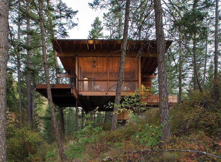 Charmante maison bois sur pilotis bordant le lac Flathead dans le Montana, vue piliers métalliques - Cabin-Flathead-Lake par Anderson Wise Architects - Montana, USA #construiretendance