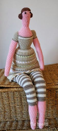 Fie bake, sew and crochet !: Crocheted Tilda doll # 2