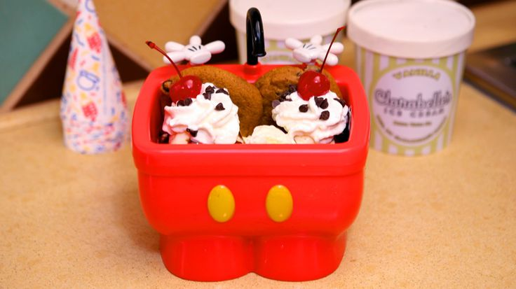 6 of Disney World's Best Snacks in Souvenir Take Home Containers