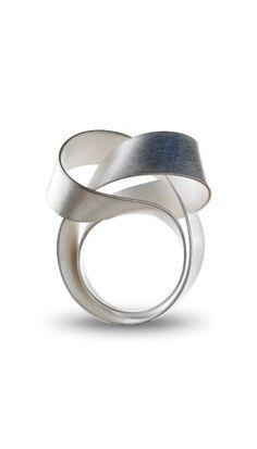 Beautiful ring...would love it in rose or gold..KAZUKO NISHIBAYASHI, Beautiful Fashion Ring