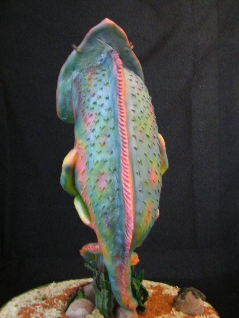 Chameleon lizard cake back view