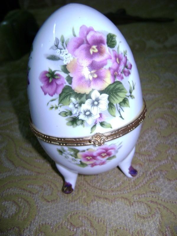 antiguo-alhajero-huevo-de-porcelana-_MLA-F-141836184_7798.jpg (600×800)