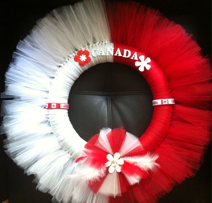 Canada day wreath - So know who's getting this next Canada Day!