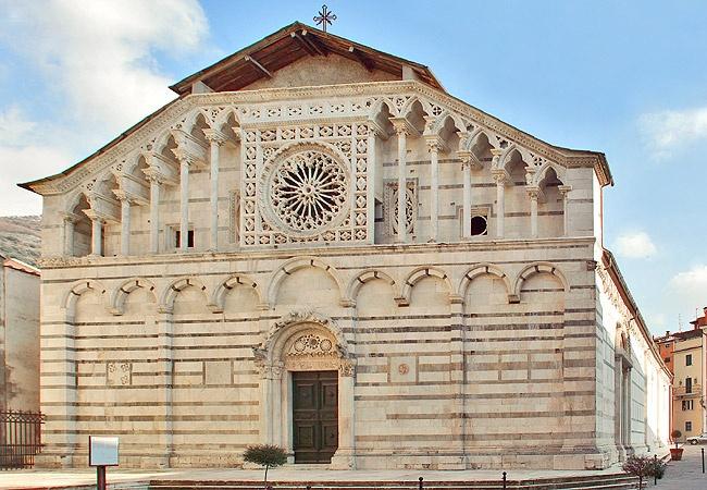 Duomo di Carrara #invasionidigitali #liberiamolacultura #invadicarrara