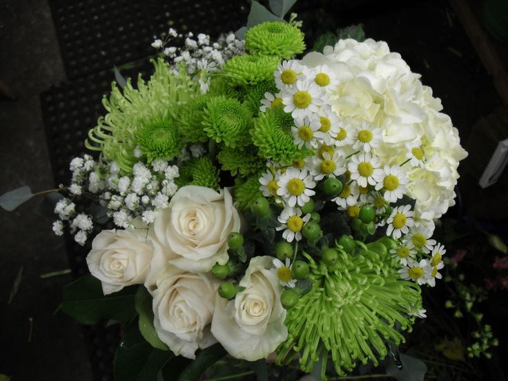 Green and white flower arrangements green and white flower arrangement for wedding and events mightylinksfo