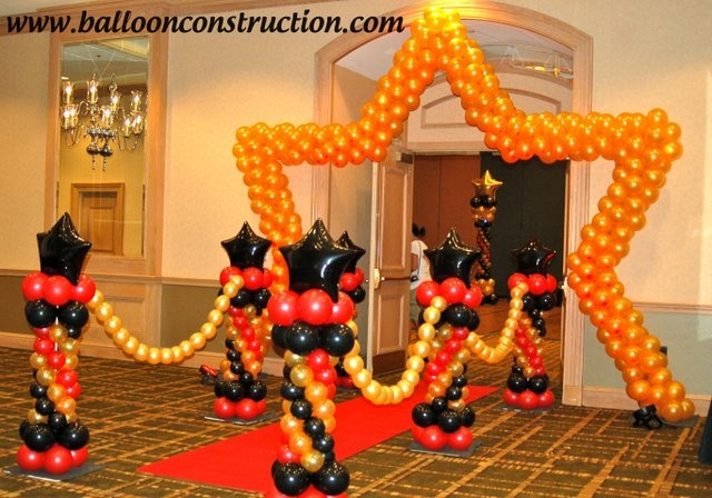 A walk on the red carpet!!!   #prom #balloons #hollywood #redcarpet