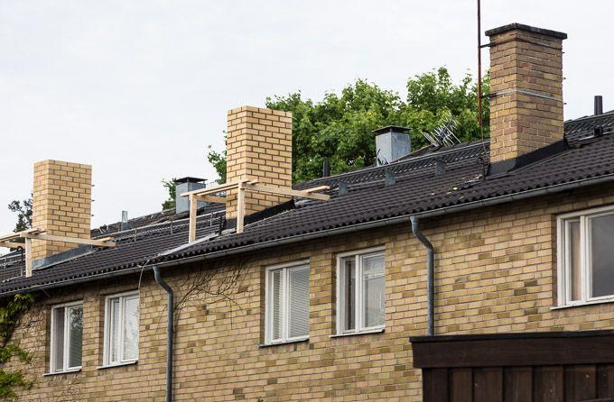 <p>Ommurning av 7 skorstenar ovan tak,  Åkersberga – referensjobb beskrivning och bilder. </p>