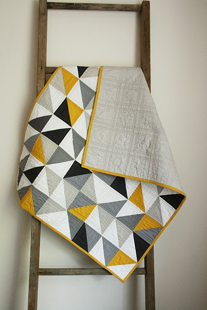 loving the gold, grays, and bluesColors Combos, Quilt Ideas, Baby Quilts, Black White, Baby Boys, Colors Schemes, Triangles Quilt, Modern Quilt, Boys Quilt