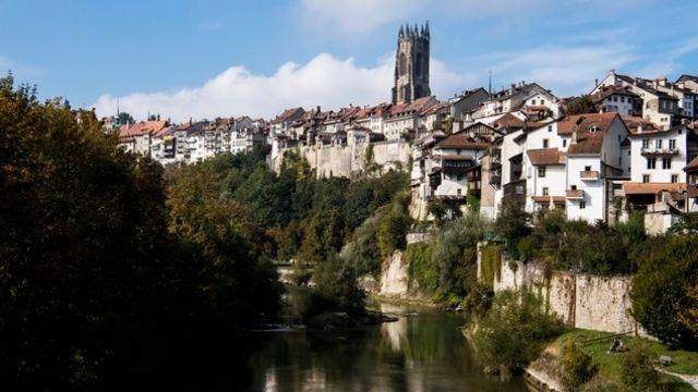 Fribourg enregistre une forte baisse des nuitées