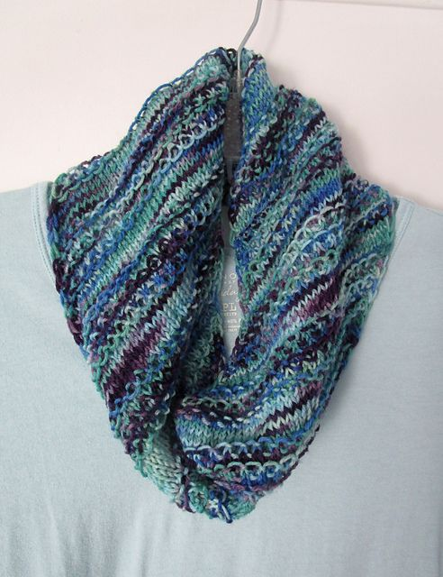 Knitted Scarf Patterns Ravelry : 1000+ images about Knit Scarves on Pinterest Free ...