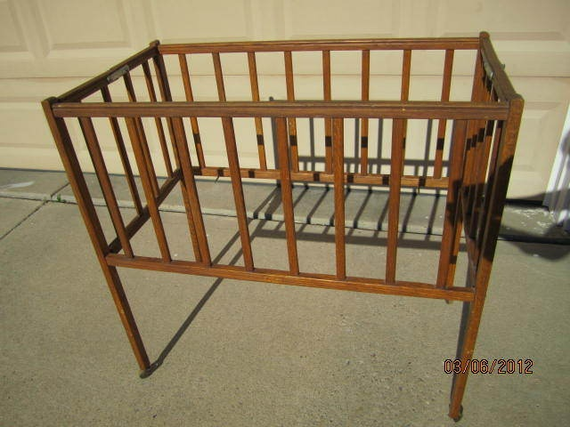 wooden vintage folding baby crib bed doll crib bed port a crib nice condition antiques cribs. Black Bedroom Furniture Sets. Home Design Ideas
