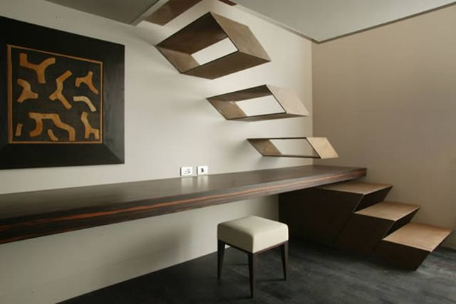 Floating staircase by Guido Ciompi.