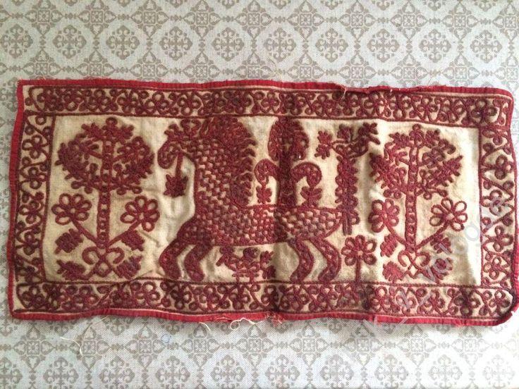 Подзор тамбурный шов древние символы 42*20см