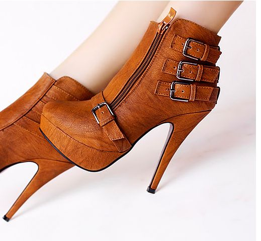 Botines Tacon marron / Ankle Boots brown LS170 $40.00