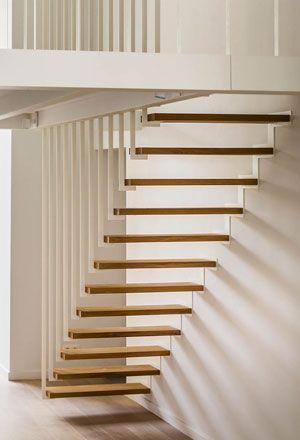 Les 25 meilleures id es de la cat gorie escalier suspendu sur pinterest rampe escalier inox - Mezzanine trap ...