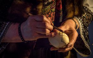 In times when traditional customs are slowly starting to fade away and to be forgotten by the younger generations, in Romania there are still communities of people that keep true to their origins. So here is a list of 15  traditional crafts and occupations that still run in the families of people in Romanian countryside.