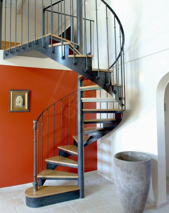 Escalier acier et bois h lico dal de style bistrot et for Appartement deco bistrot