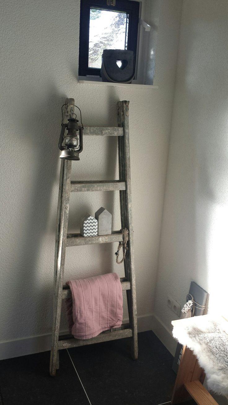25 beste idee n over oude houten ladders op pinterest ladders tuin decoraties en houten - Versier een trap ...