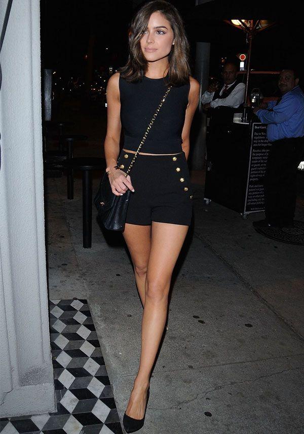 olivia-culpo-cropped-shorts-scarpin: