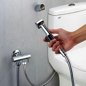 Contemporary Solid Brass Bidet Tap Chrome Finish DB001 http://www.tapforyou.co.uk/bidet-taps/contemporary-solid-brass-bidet-tap-chrome-finish-db001 http://www.tapforyou.co.uk/bidet-taps/contemporary-solid-brass-bidet-tap-chrome-finish-db001