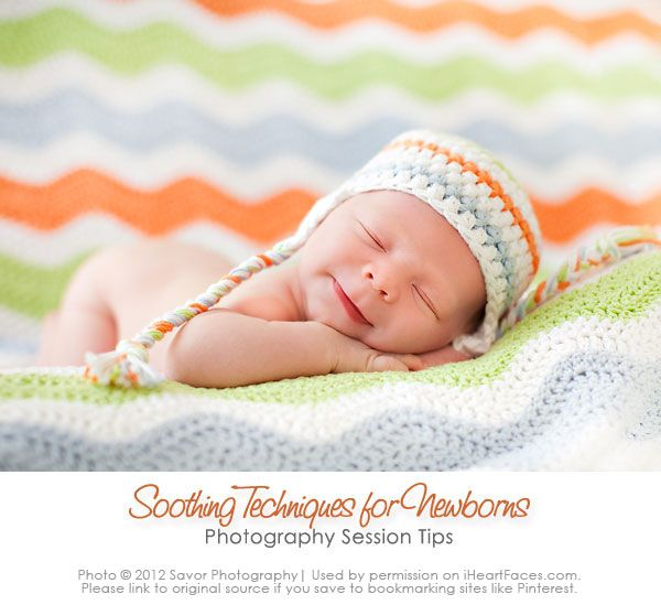 Soothing Techniques for Newborn Photography Sessions | I Heart Faces Tutorial