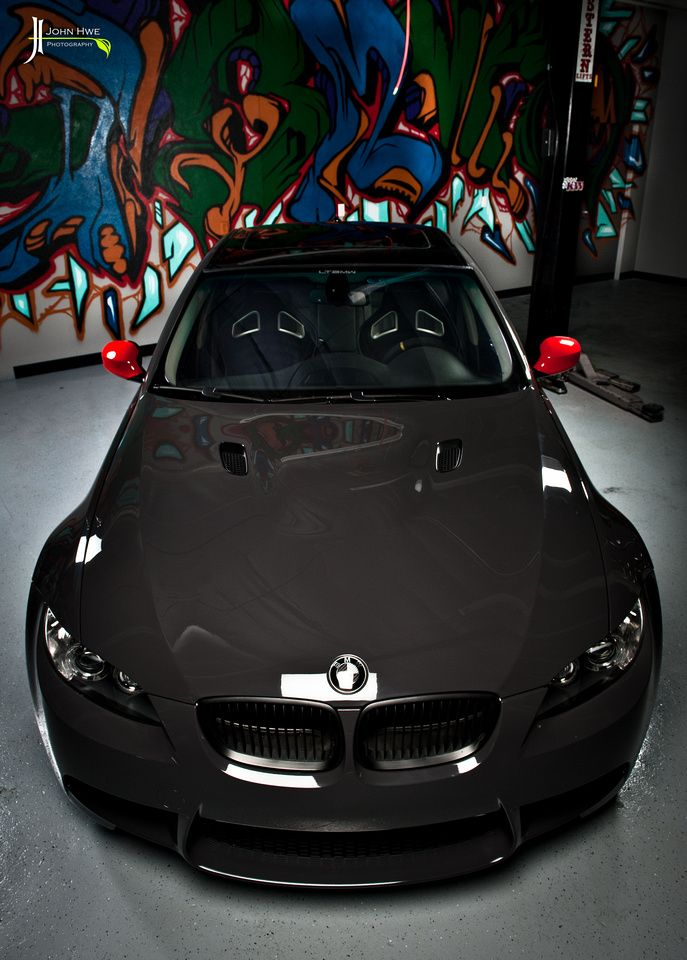 BMW E92 M3, done simply right
