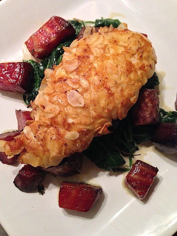Kip met amandelkorst en romige spinazie_3