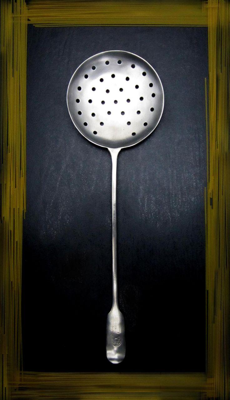 Pewter Slotted Ladle/Colander - Length: 35 cm (13,8″) - Food Safe Product - #pewter #slotted #ladle #peltro #mestolo #forato #zinn #gelochte #schöpfkelle #peltre #tinn #олово #оловянный #tableware #dinnerware #table #accessories #decor #design #bottega #peltro #GT #italian #handmade #made #italy #artisans #craftsmanship #craftsman #primitive