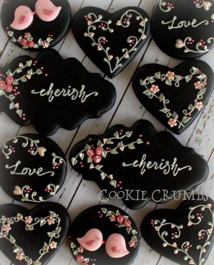 ネイビーとベージュのアイシングクッキー の画像 ~Cookie Crumbs~クッキー・クラムズのアイシングクッキー