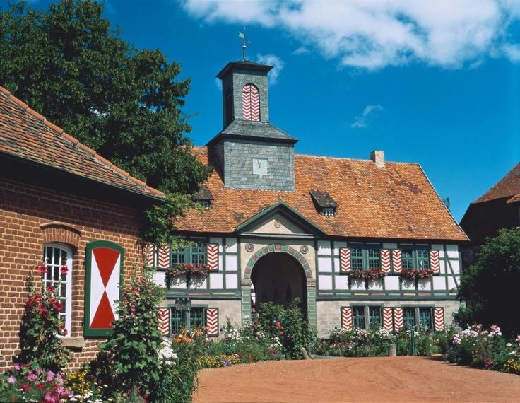 ღღ Kassel (Nähe), historischer Gutshof Bodenhausen