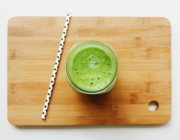 Smoothie com abacate é alternativa ao suco verde de sempre