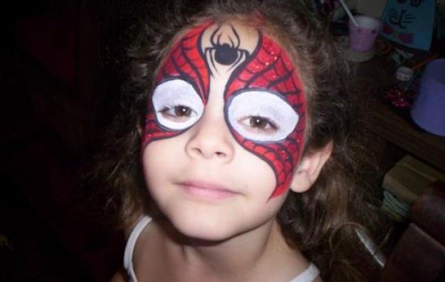 Maquillaje artístico infantil, peinados y uñas decoradas