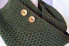 Amanda's One-Skein Infinity Scarf - Free crochet pattern by Amanda French. Aran weight yarn, 6.5mm hook.