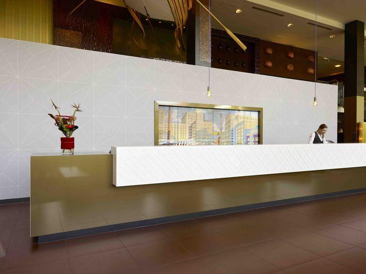 Receptie balie   ontwerp Ab Oosterhof Interieurarchitect Inntel Art Hotel