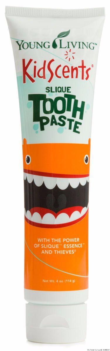 Ik vind het altijd erg fijn als ik voor de kindjes natuurlijke producten kan gebruiken en deze tandpasta is hier een goed voorbeeld van.  Je hebt er echt maar heel weinig van nodig, de grootte van een erwt, en ze mogen het gewoon doorslikken. Ideaal!!
