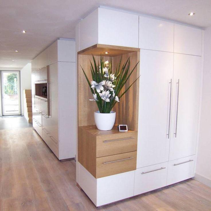 Pasillo, hall y escaleras de estilo Moderno por EIKplan architecten BNA